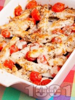 Печени патладжани с пилешко месо от гърди и чери домати на фурна - снимка на рецептата
